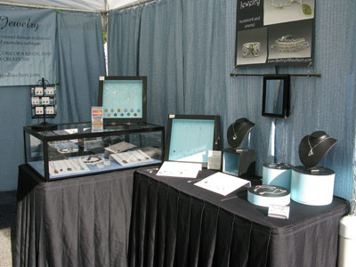 Art display tables